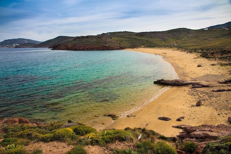 top-five-beaches-in-mykonos-agios-stefanos-beach-daytrip4u