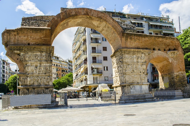 best-historical-monuments-in-thessaloniki-arch-of-galerius-DayTrip4U