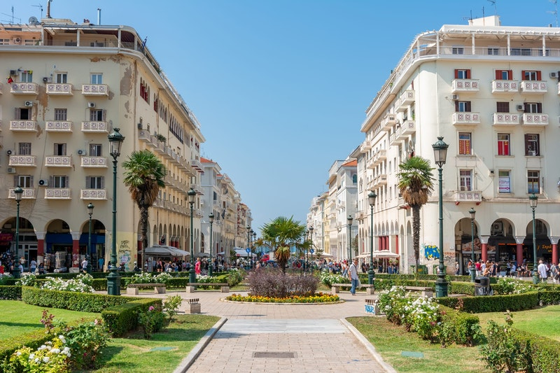 5-coolest-places-to-visit-in-Thessaloniki-Aristotelous-Square-DayTrip4U