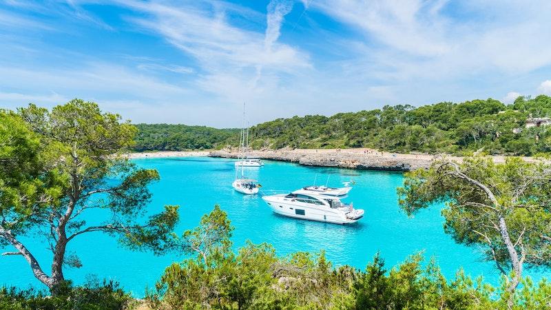 top-five-beaches-in-mallorca-cala-mondrago-daytrip4u