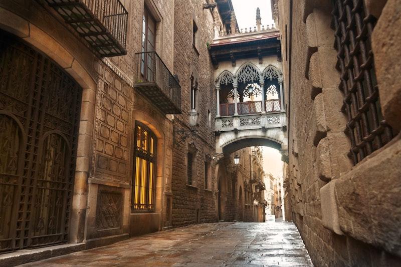 five-must-visit-places-in-barcelona-gothic-quarter-daytrip4u