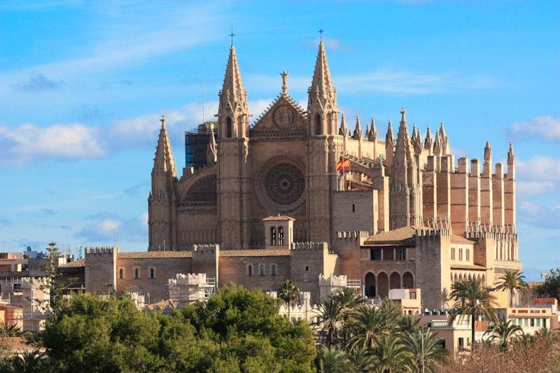 top-five-experiences-in-palma-de-mallorca-cathedral-daytrip4u