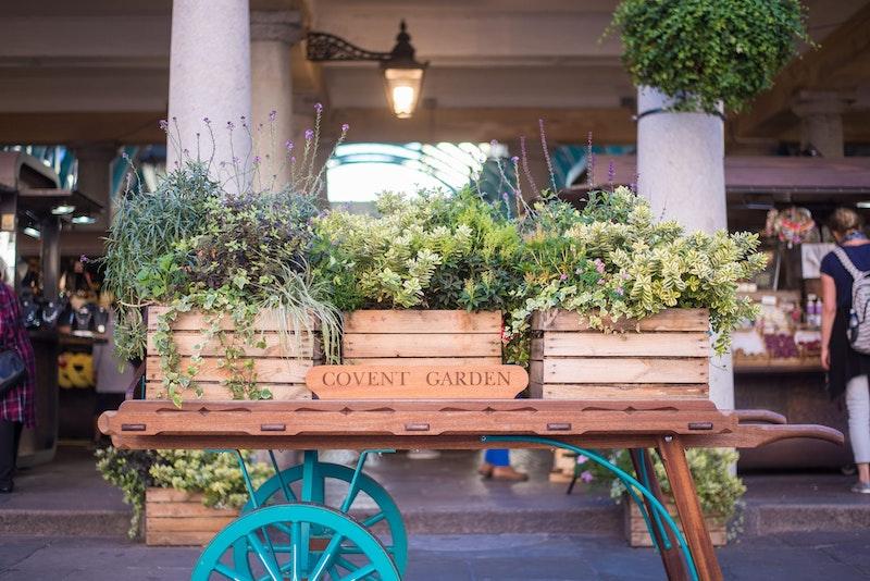 5-best-instagram-spots-in-london-covent-garden-apple-market-DayTrip4U