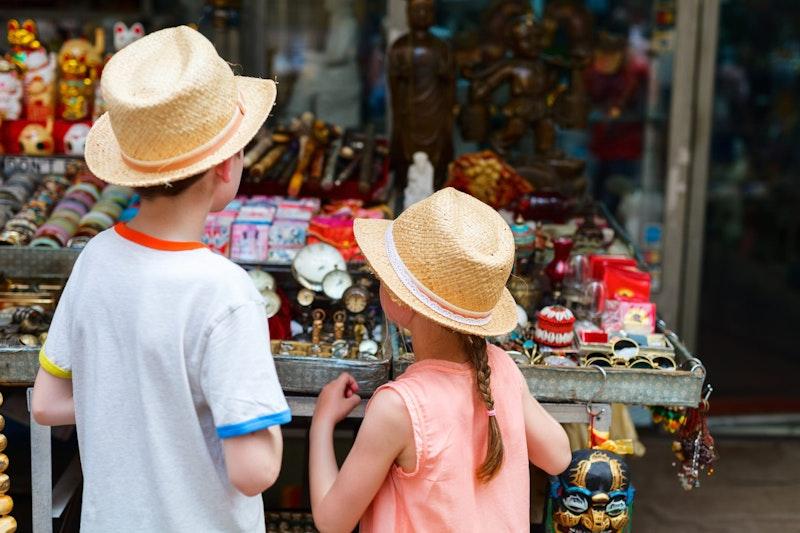 top-five-things-to-do-in-trastevere-rome-flea-market-daytrip4u