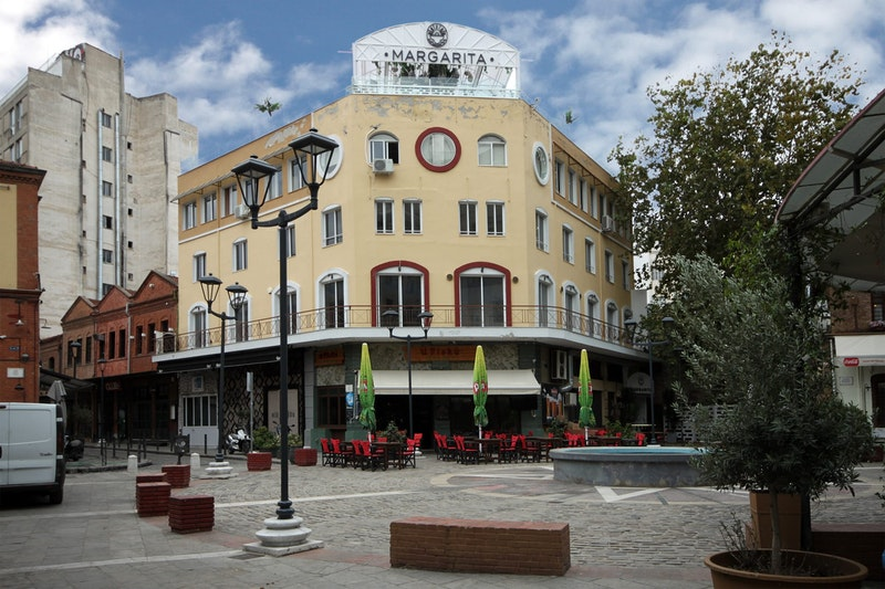 5-coolest-places-to-visit-in-Thessaloniki-Ladadika-DayTrip4U