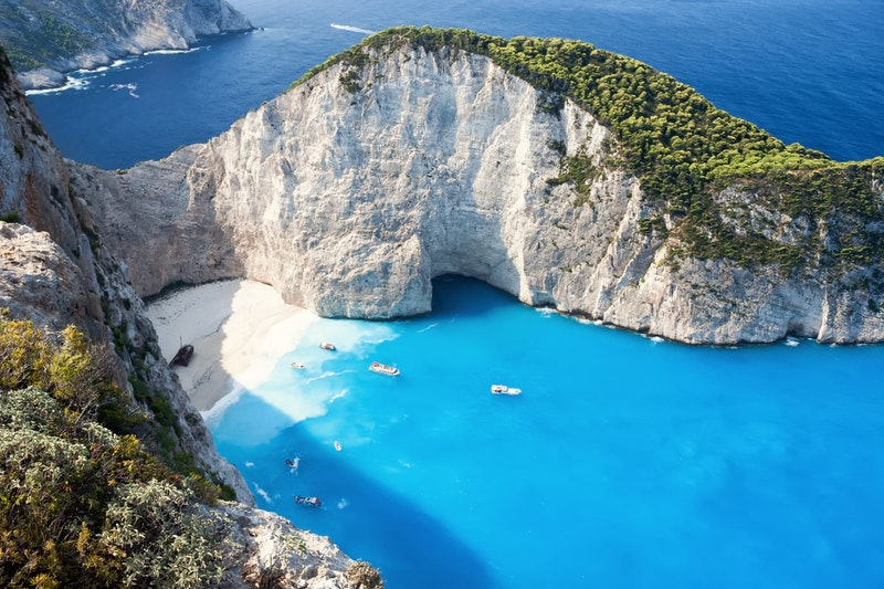 top-5-things-to-do-in-zante-navagio-DayTrip4U