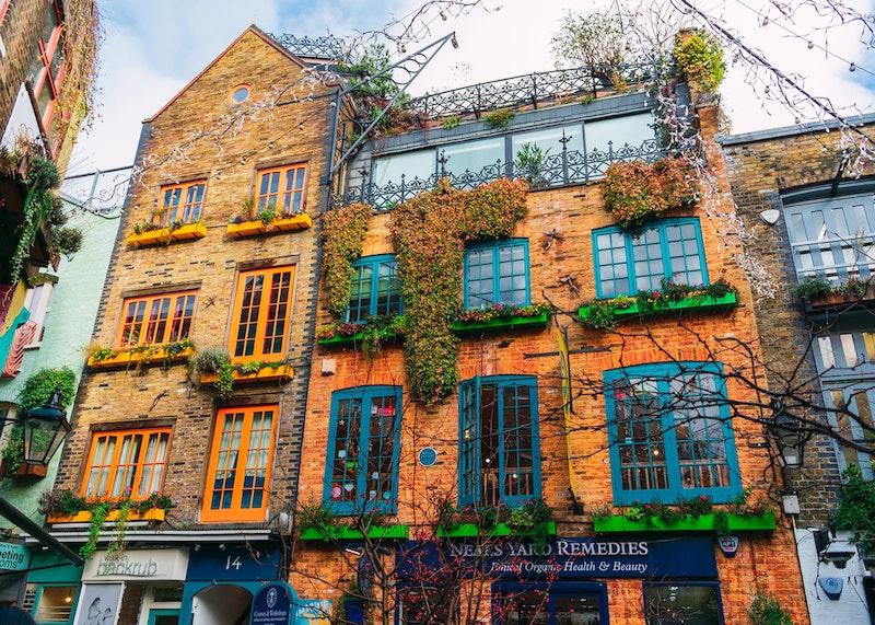 5-best-instagram-spots-in-london-neal-yard-DayTrip4U