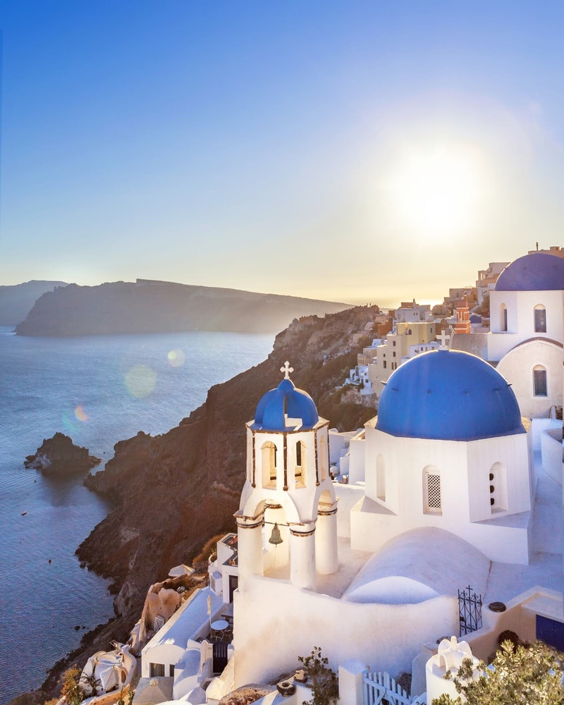 top-5-things-to-do-in-santorini-oia-sunset-DayTrip4U