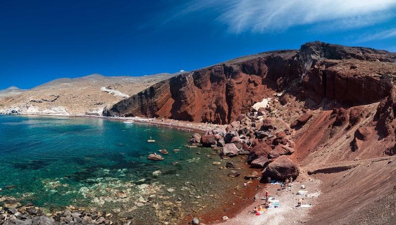Best-instagrammable-spots-in-santorini-red-beach-DayTrip4U
