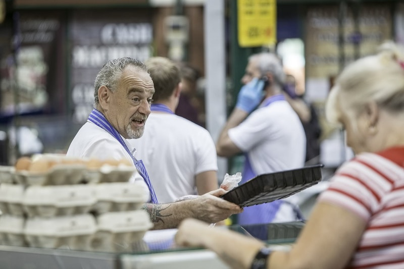 top-5-things-to-do-in-belfast-st-george-market-DayTrip4U