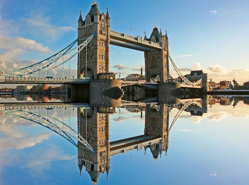 5-must-see-attractions-in-london-tower-bridge-DayTrip4U