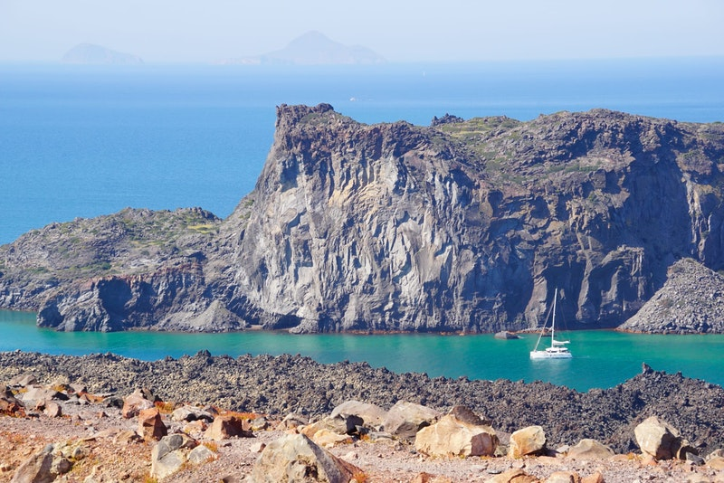 top-5-things-to-do-in-santorini-volcano-DayTrip4U