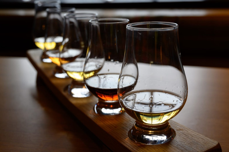 top-5-things-to-do-in-edinburgh-scottish-whisky-DayTrip4U